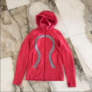 Lululemon size 4 pink hooded zip up -EUC